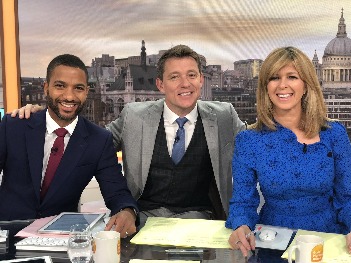 No divisions, no resignations (yet) just a lot excitement about it being the end of the week! #friday @SeanFletcherTV @kategarraway #gmb