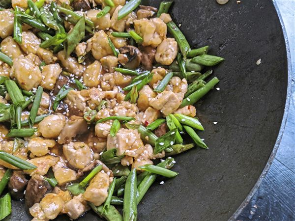@zesty_recipes: Lets eat: Crispy tofu stands in for meat in this easy vegetarian stir-fry https://t.co/NbbuCMQqgZ https://t.co/LfSGIqHApK