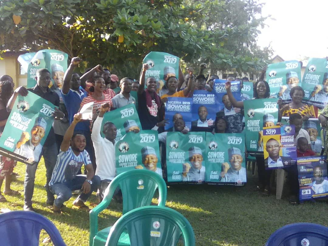Meeting with Grassroot awareness volunteer team in Yala LG Cross Rivers State #takeitback #fbf #africanactioncongress party #leadersoftoday #revolutionnow #endofoldpoliticians @YeleSowore is the answer<br>http://pic.twitter.com/uQaTsdl1E0