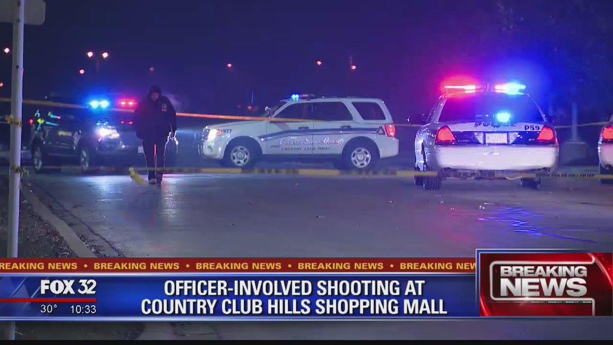 Man shot by police in Country Club Hills https://t.co/8hj3DBJQAk @ElizabethFox32 reports