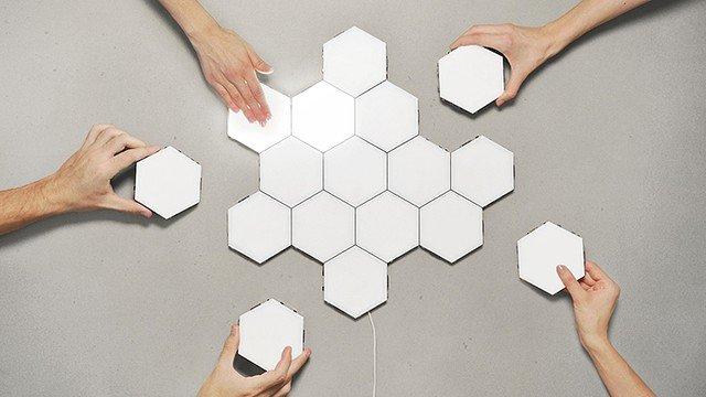 【なにこれ欲しい】自在な六角形が楽しい「ミニマルなライト」 https://t.co/fqRu4bCePG  自分が好きなカタチにできるというのが特長。灯りのON/OFFは表面をスワイプするだけで可能です。