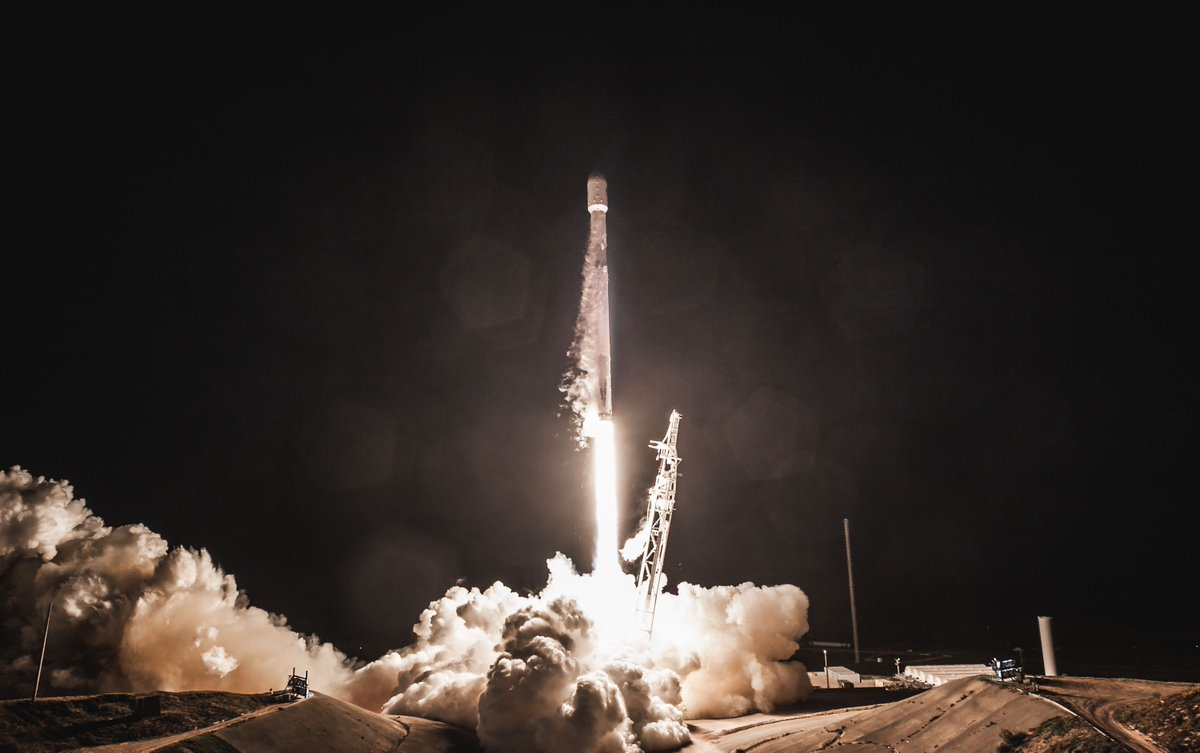 FCC approves SpaceX's plan to launch more than 7,000 internet-beaming satellites https://t.co/87MlDfB7LX
