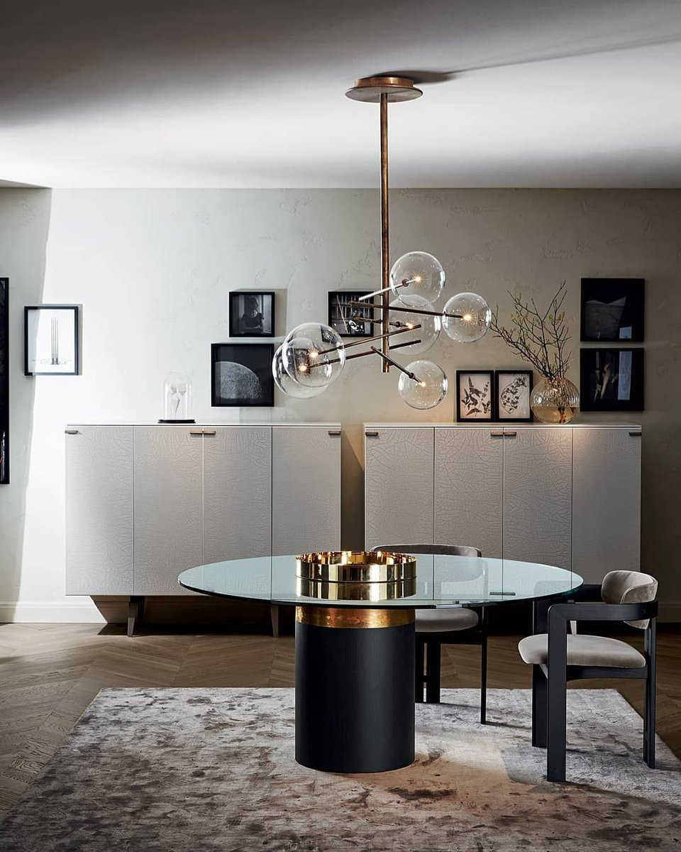 HAUMEA-T Table | BOLLE Light By #massimoCastagna 0414 Armchair by Studio G&R PANDORA CRAQUELÈ Cabinet by #PinuccioBorgonovo  @gallotti_radice  #GallottiRadice #GallottieRadice #GallottiAndRadice #Harrods #ChelseaDesignCentre #ChelseaHarbour #ChelseaHarbourDesignCentre