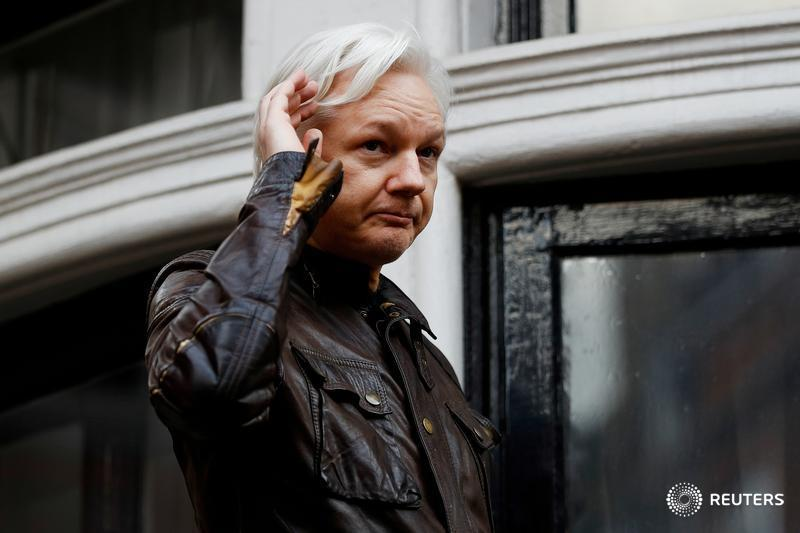 American prosecutors have obtained a sealed indictment against Wikileaks founder Julian Assange. https://t.co/bU448Y8cUX