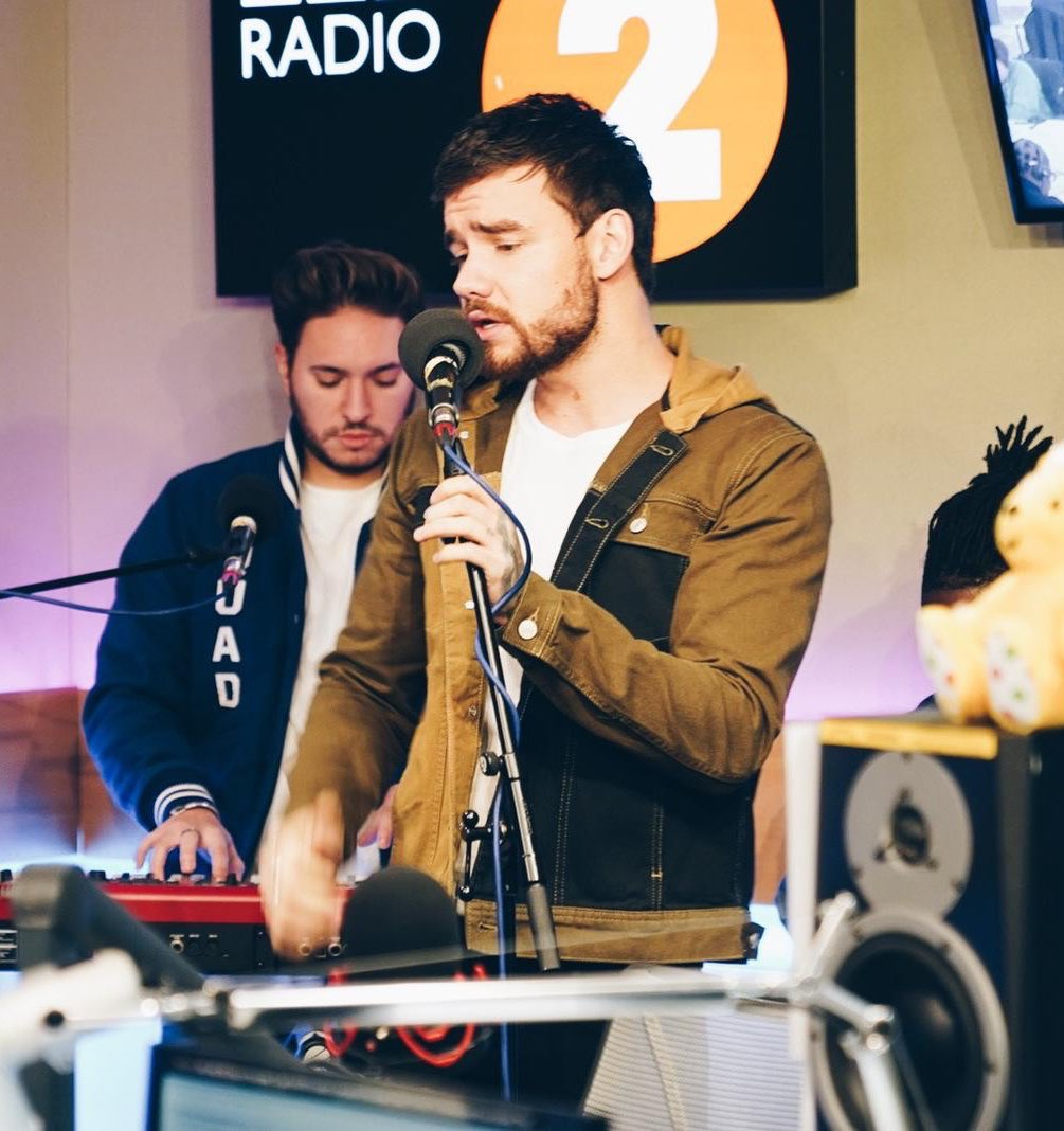 Rehearsals done for our performance of 'Polaroid' with @jonasblue and @lennonstella. Tune into @BBCRadio2 now to catch us live 👊🏻