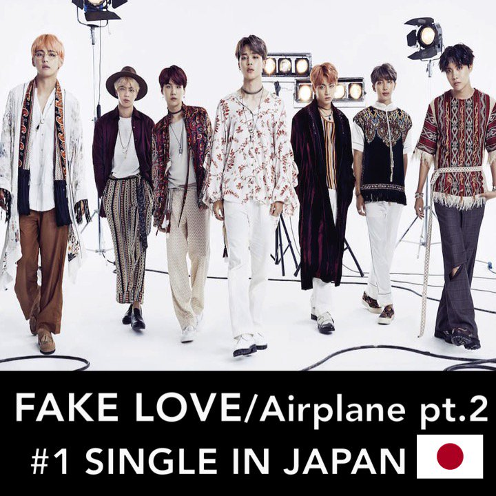 #BTS' new Japanese Single #FakeLoveAirplanept2 tops the Oricon weekly Singles Chart in Japan with sales of 454,829 and breaks Record for 1st foreign Act with a Single surpassing 400,000 units in its first week of release!👏1⃣🎵🇯🇵💥🏆🕺🕺🕺🕺🕺🕺🕺👑 https://t.co/7nggKdshGS