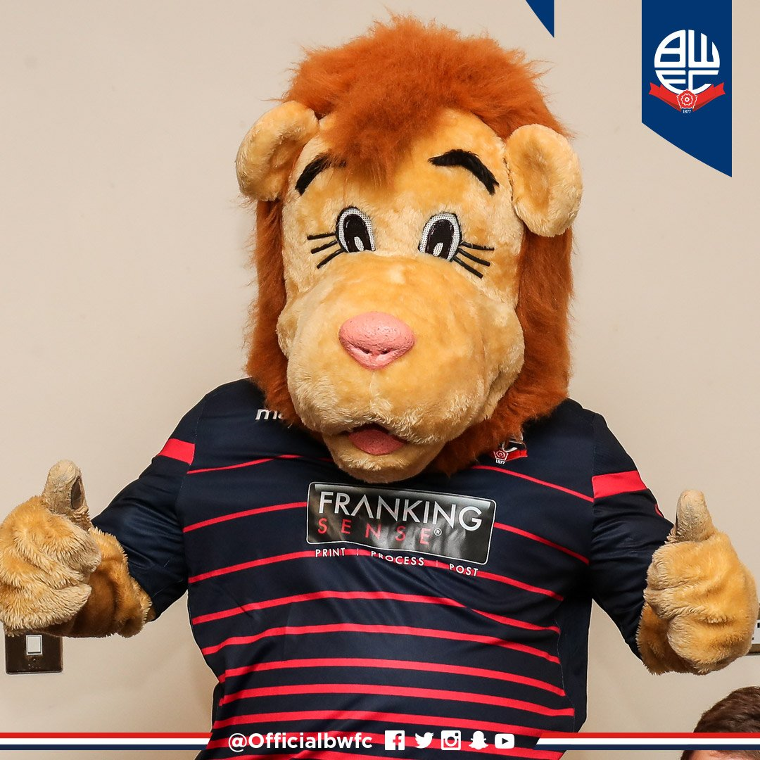 🎄💡 Dont forget - Lofty the Lion will be taking part in @MiddlebrookRLPs Christmas Light Switch On today! Hell be around to meet fans from 2pm until 3pm, with tickets for our game v @LaticsOfficial up for grabs in a special competition! #BWFC 🐘🏰