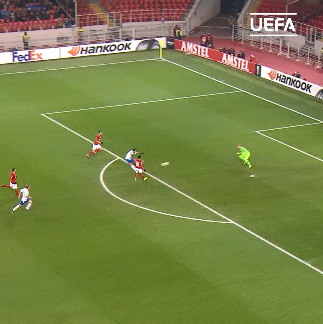 First touch 😮 Finish 🔥  Daniel Candeias 👏👏👏  #UEL @RangersFC