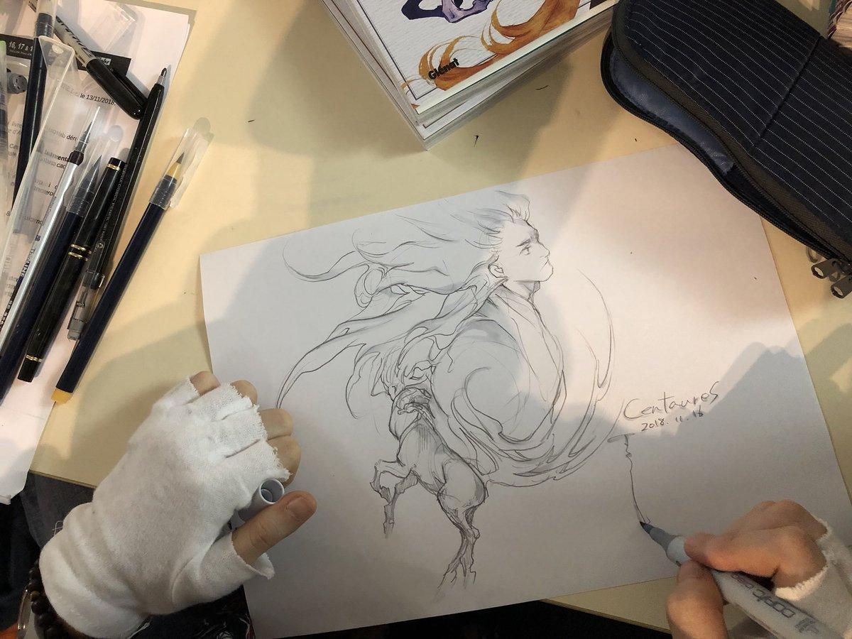 【フランス訪問記05】墨佳さん今日は会場をすでに離れました。また明日ブースにおります!(最終日は不参加です)サイン、イラストたくさん描かせていただきました!中から一部を写真紹介。