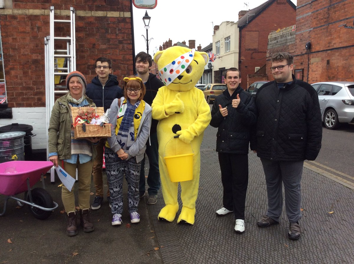 Derwen@CravenArms donating a Christmas Hamper containing items made by themselves to the Charity fundraiser held at Cyril Bason Ltd in Craven Arms. #PudseyBear  #childreninneed2018  #StudentLife #Donations #teamwork #ThankYou<br>http://pic.twitter.com/jZlIvTOmMo
