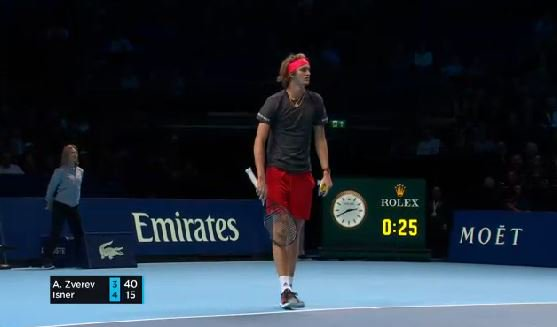 #Isner challenges the first serve and is proved wrong by hawk eye. That's a nice comfy hold for #Zverev to level 4-4