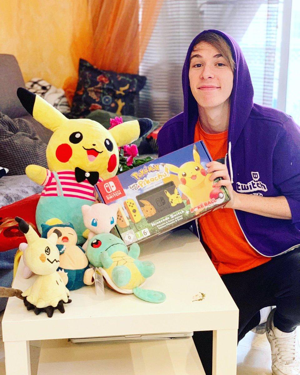 🔥SORTEO🔥 A tomar por culo, sorteo una Switch con Pokémon Lets Go Pikachu/Eevee. Para participar solo tienes que dar RT y follow a mi cuenta de Twitter. Fácil sencillo y para toda la familia. Gracias a todo el mundo por el apoyo que me dáis SIEMPRE. Acaba el día 26/11 Paz.