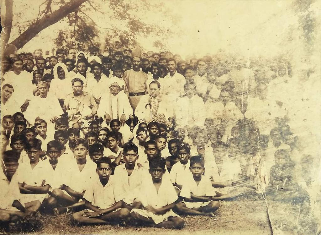Rarest of the rare photograph , Dr.Ambedkar&#39;s visit to Gudivada town, Andhra Pradesh on 30 September, 1944.  He visited S.C boys hostel and others in the image are local Adi Andhra movement leaders. Via @syamcartoonist <br>http://pic.twitter.com/hRO4b5njmG