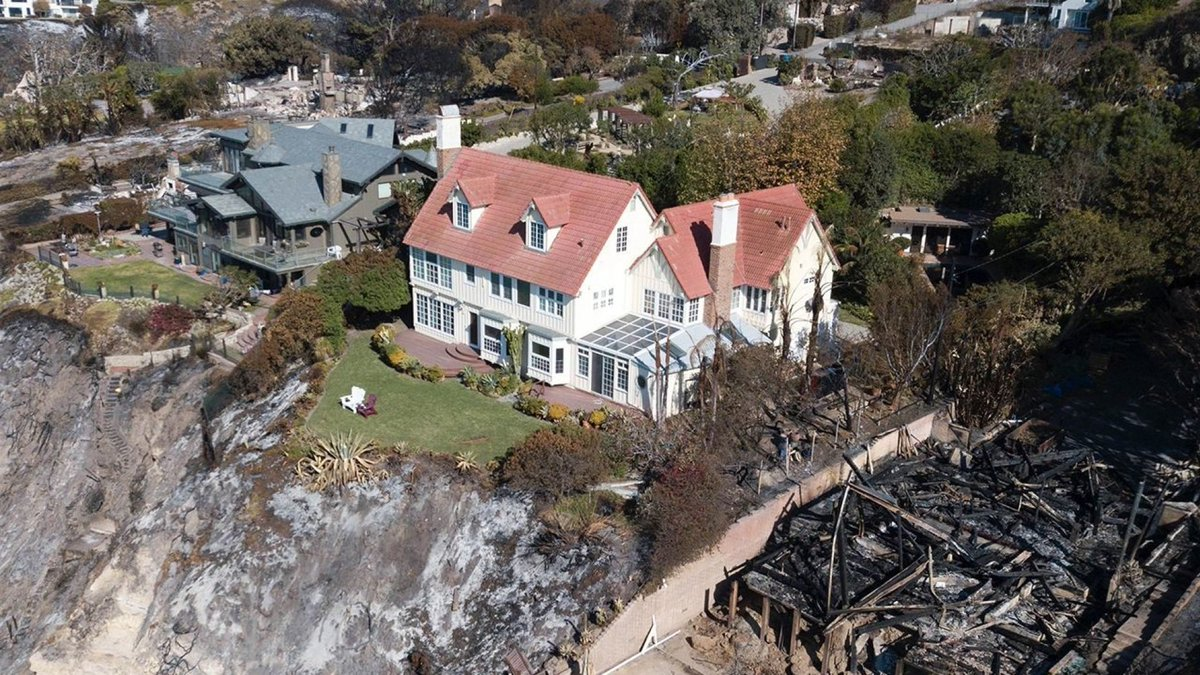 Incendio catastrófico en California DsIl9ekXoAEiOo7