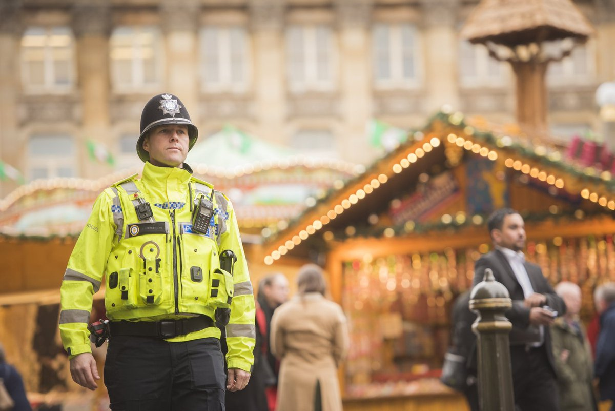 Heading to the Frankfurt Christmas Market after work today? If you see us say hello. We will have uniform and plain clothes officers patrolling in the city to keep you safe! #Christmas #Birmingham