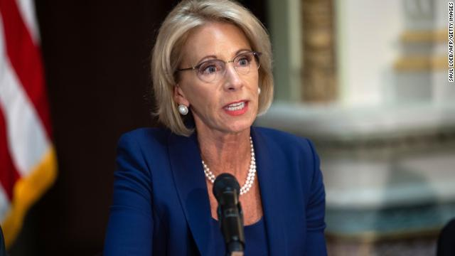 Betsy DeVos' Education Department proposes new rules for handling sexual harassment and assault at colleges that would bolster rights for the accused. https://t.co/871sdtGi9R