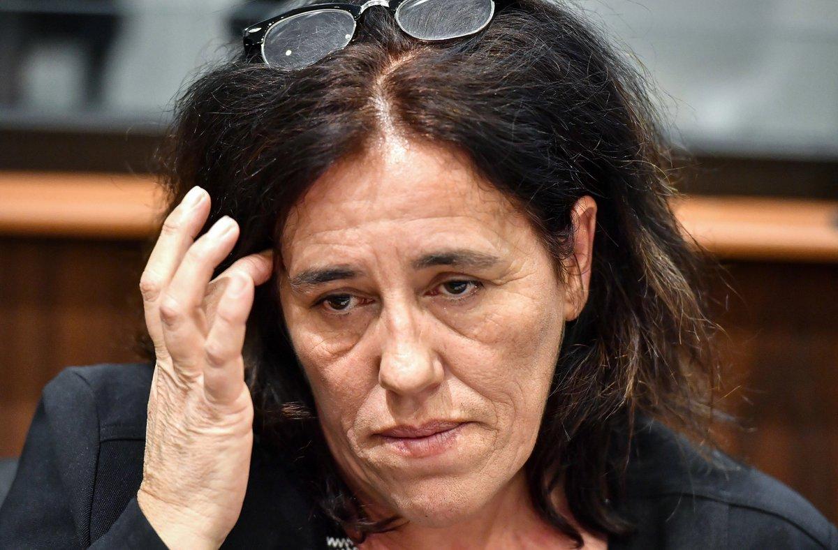 Procès Serena : la mère de lenfant condamnée à cinq ans de prison, dont trois avec sursis bit.ly/2RX5P0x