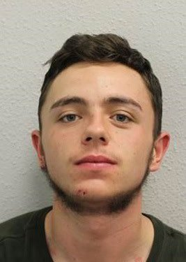 Police would like to speak to Jordan Duignan, 18, in connection with a stabbing in #Eltham #Greenwich on Weds, 15 Nov - victim remains in hospital in critical condition. If seen call 999 - do not approach. Ref CAD 8027/15 Nov. https://t.co/O08NEb3eCZ