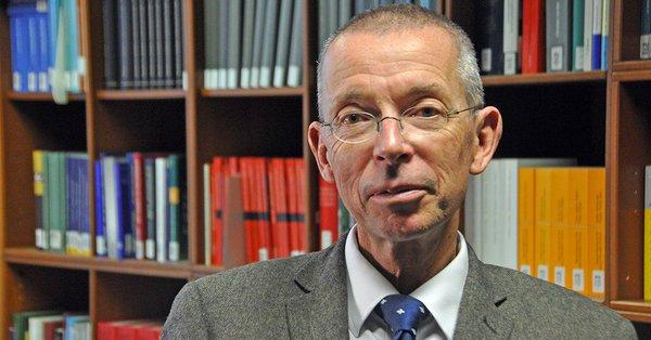 #ThomasRauscher #FDP hoogleraar #Leipzig #migratiepact Wij zijn Afrikanen en Arabieren niets schuldig. Zij hebben hun kontinenten door corruptie, slamperij, ongeremde vermeerdering en stammen-en religieoorlogen vernietigd en nemen ons nu af, wat wij met vlijt hebben opgebouwd.