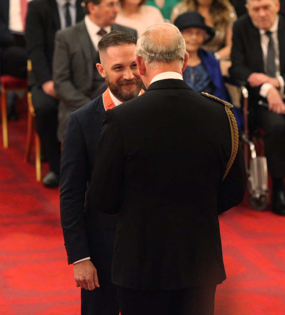 Actor Tom Hardy has been made a #CBE for services to drama. He received his award from The Prince of Wales at Buckingham Palace today.