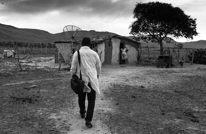 """O que ainda pode ser dito sobre os """"médicos cubanos""""?, por Sergio Rego https://t.co/Twdu2IudiI"""
