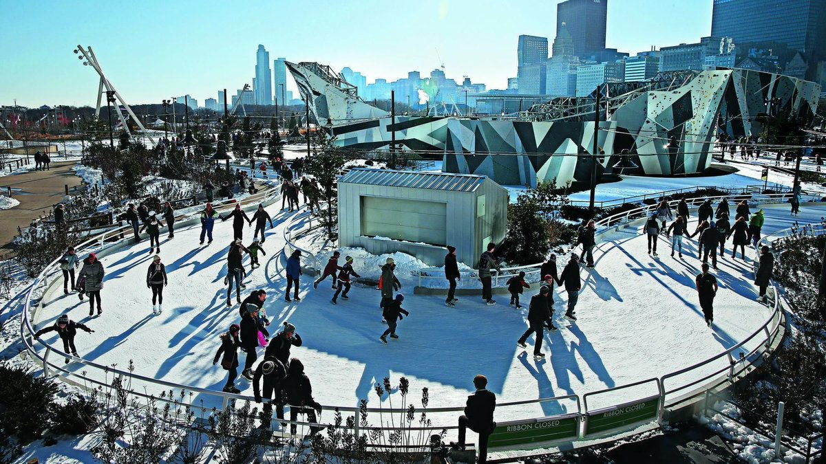 Chicago's downtown ice rinks are now open:  https://t.co/v8ia8d0PNS