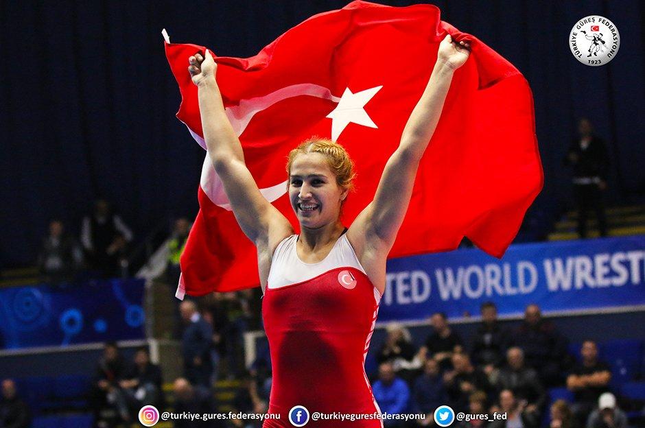 Buse Tosun dünya şampiyonu!  https://t.co/kiCOOGx9MZ https://t.co/FAbfcXc5px