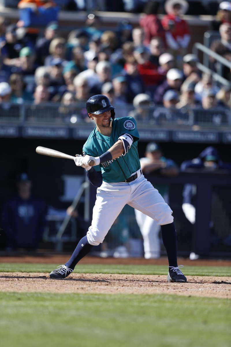 #Mariners add OF Braden Bishop to 40-man roster. He hit .284 (98x345) with 70 runs, 20 doubles, 8 home runs and 33 RBI in 84 games with AA Arkansas in 2018. Major League roster is now at 34 players.