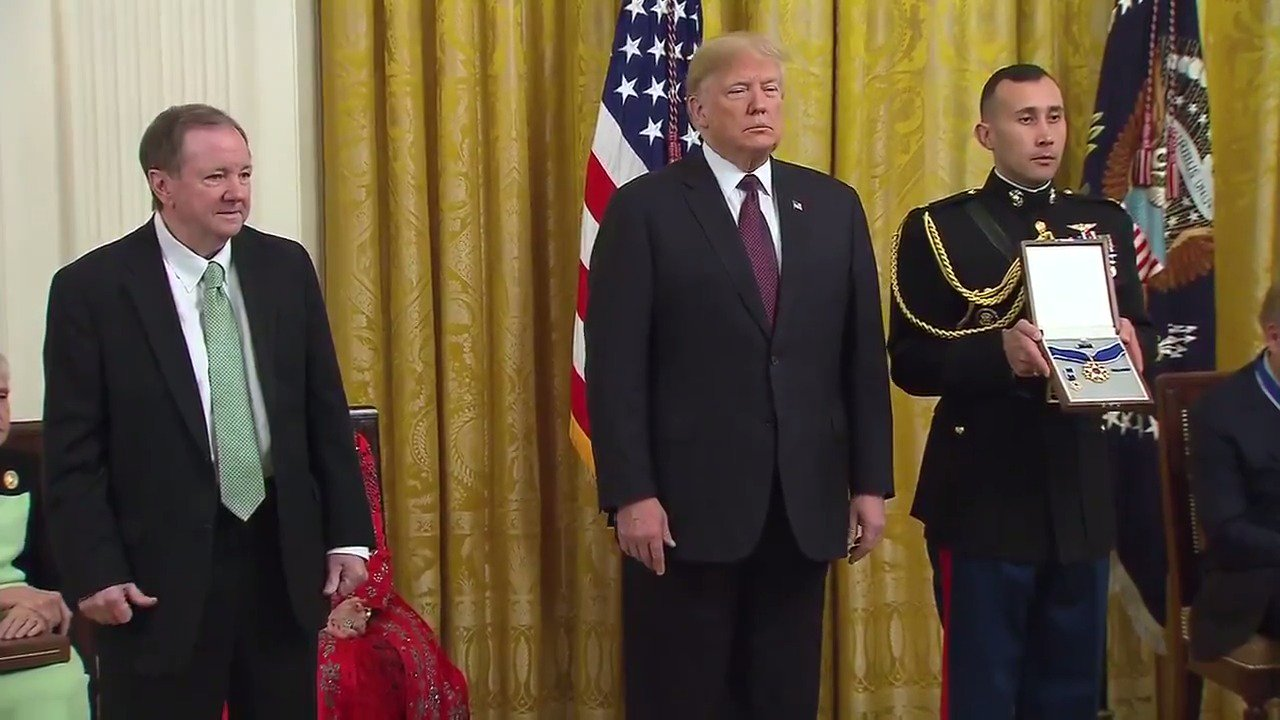 President Trump awards Presidential Medal of Freedom to the late Elvis Presley  https://t.co/NfknL5YrRl https://t.co/7EERLjeOyM