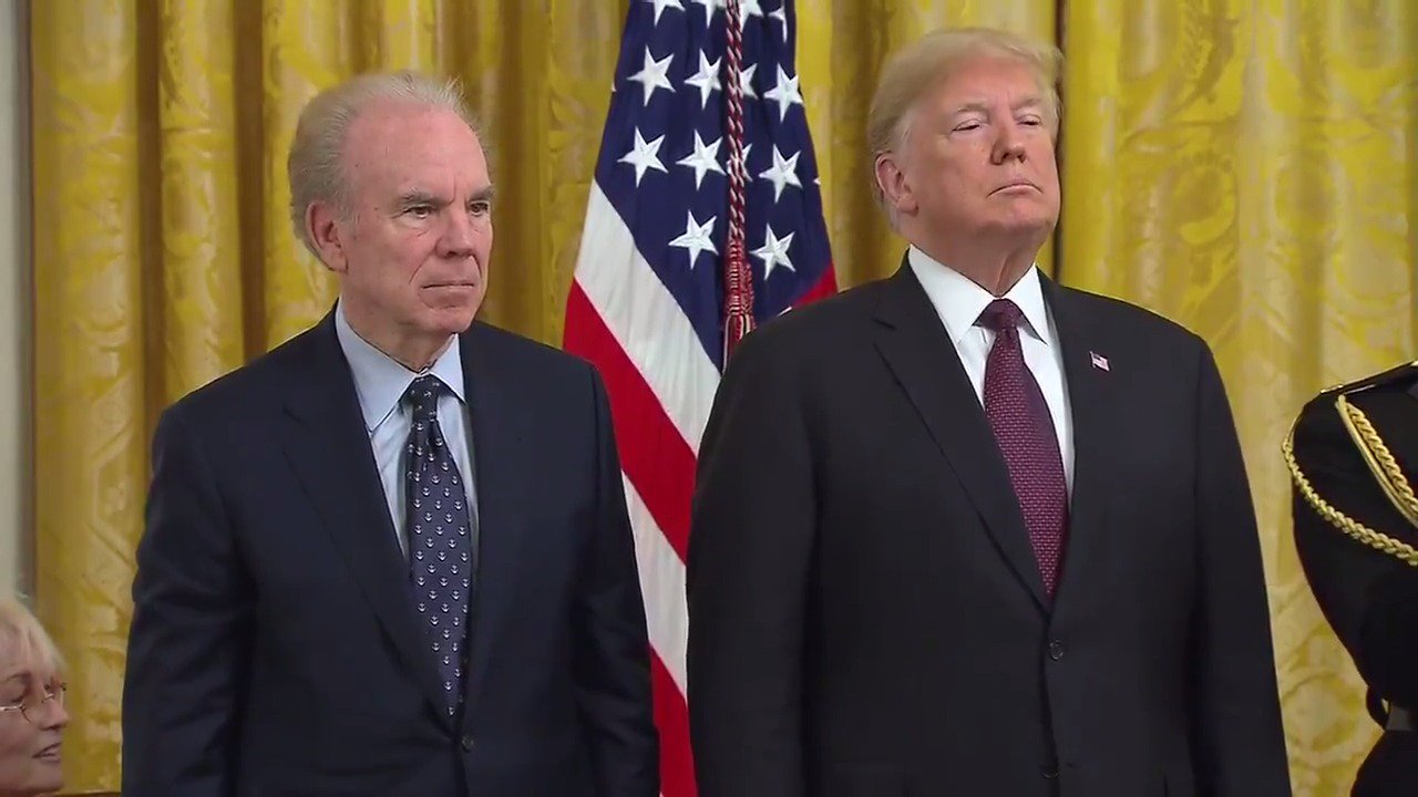 President Trump awards Presidential Medal of Freedom to Roger Staubach https://t.co/NfknL6g3fV https://t.co/33Zi51uVvy