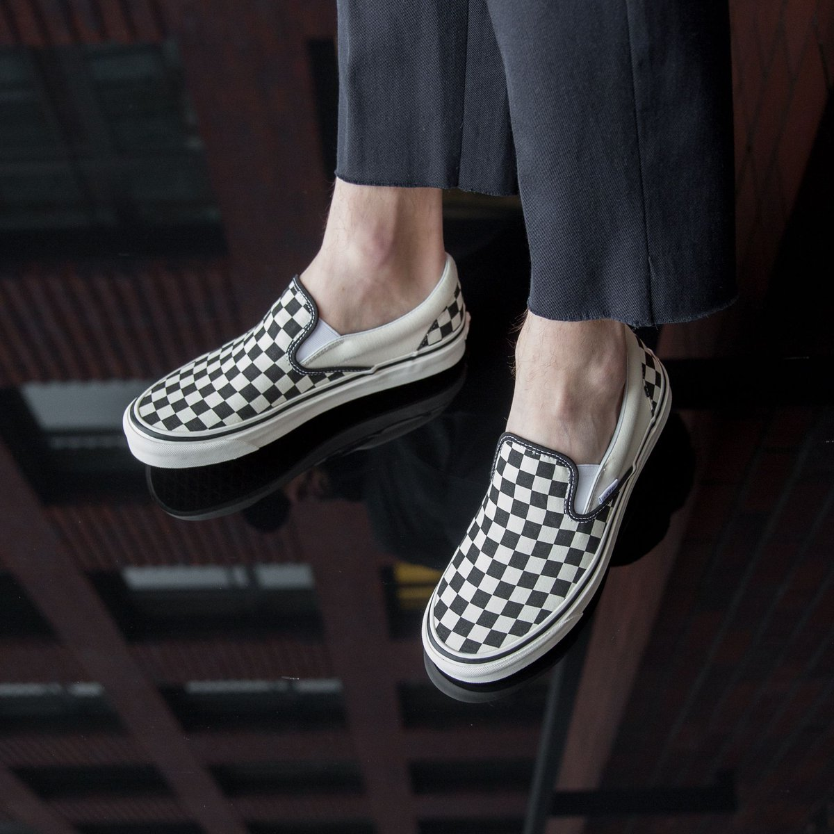 196e263c968 NEW IN ! Vans UA Classic Slip-On 98 DX - Checkerboard Black White SHOP HERE    http   bit.ly 2FlX9PK pic.twitter.com P4tilqUwFs