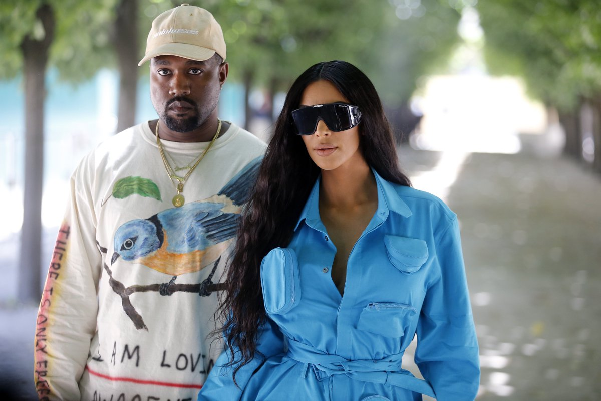 Kanye and Kim also hired a team of private firefighters to help their neighbors battle the wildfires: trib.al/Sgel84x