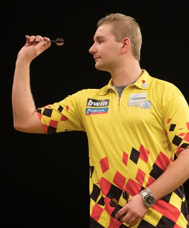 Quarter-finals disappointment for @VandenBerghDimi but still an amazing week for him at the Grand Slam #Darts #PDC #TheWinningDouble playwiththebest.com/blog/Darts2018…