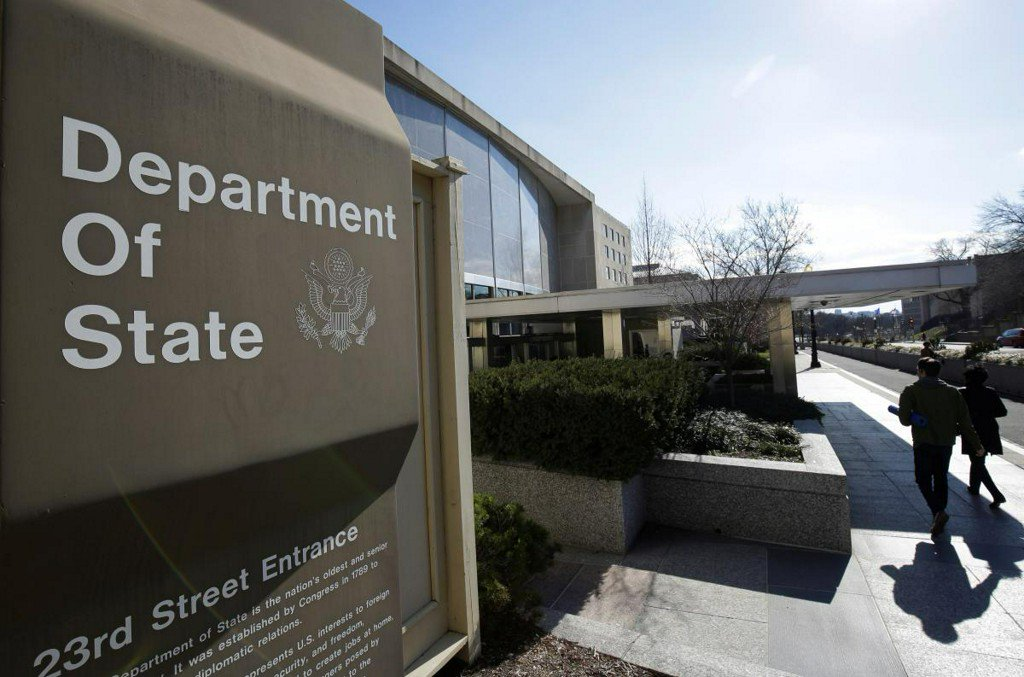 Russians impersonating U.S. State Department aide in hacking campaign: researchers  https:// reut.rs/2QKrR6x  &nbsp;  <br>http://pic.twitter.com/xa18MaJnJw
