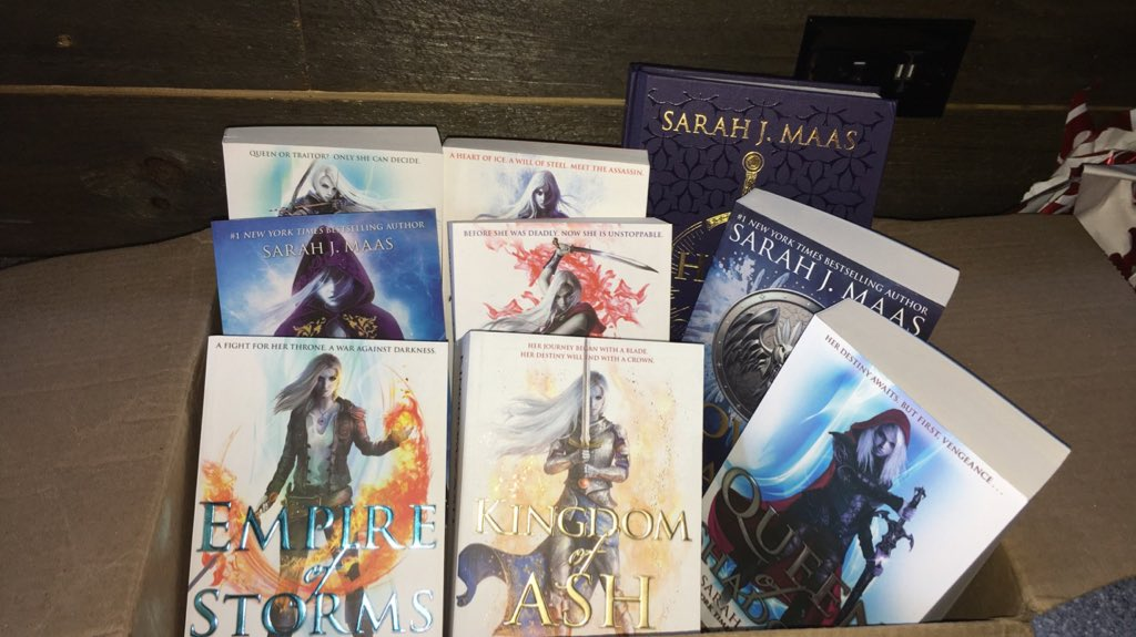 The BEST birthday gift EVER Throne of glass series UK editions#throneofglass #sarahjmaas #assasinblade #crownofmidnight #heiroffire #queenofshadows #empireofstorms #towerofdawn #kingdomofash<br>http://pic.twitter.com/GbKAXyqqPP