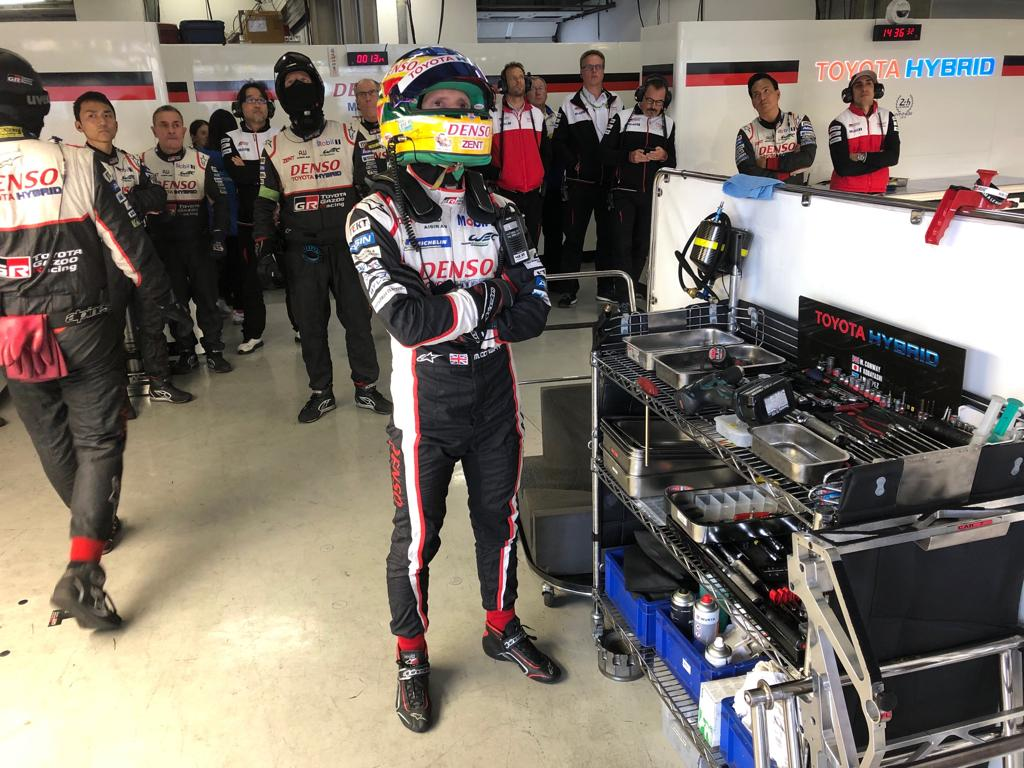 Both #TS050 HYBRIDs return to the pit lane after their first qualifying stint.  We now have @Mikeconway26 &  on @kazuki_infotrack to set their lap times. 🇨🇳    #Toyota#6hShanghai#PushingTheLimitsForBetter
