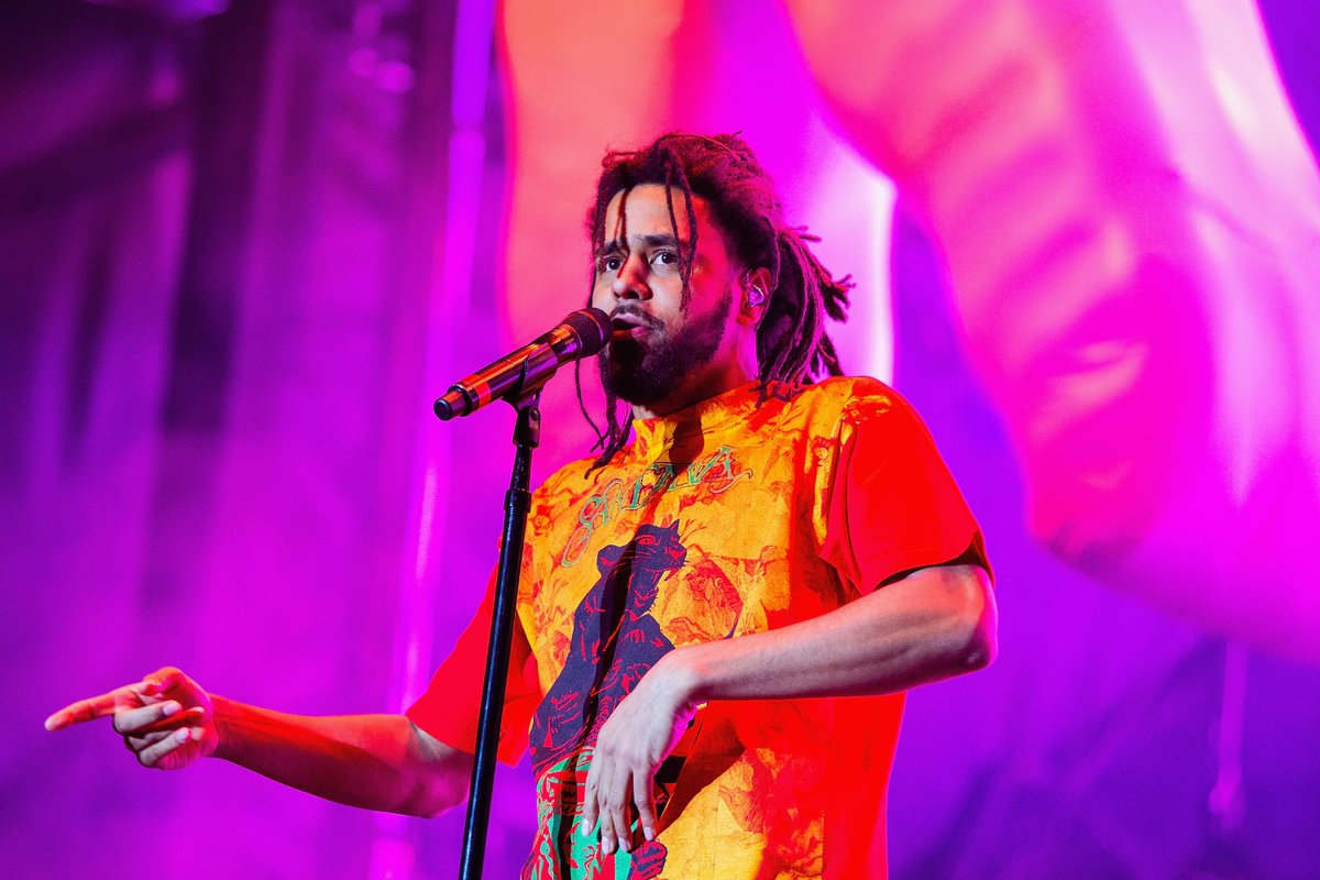 J. Cole tells Anderson .Paak why their collab was meant to be. trib.al/A38imUq