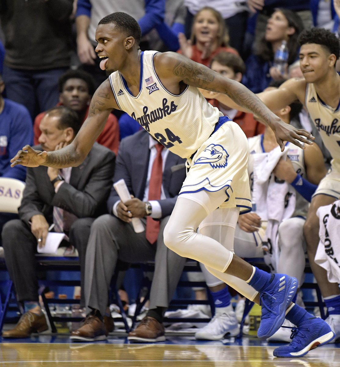 Coming off a historic night on Monday, there were no signs of slowing down from @Vicklovekicks   Gallery:  http:// kuathne.ws/2KapTtB  &nbsp;   #KUbball<br>http://pic.twitter.com/jttFmPyDL9