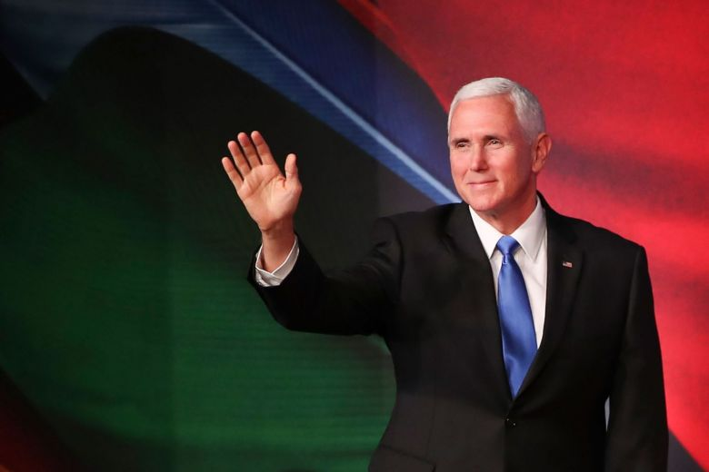 #Apec summit: #US Vice-President #Pence does a U-turn, to stay overnight in #PapuaNewGuinea https://t.co/zolFAVI8QO