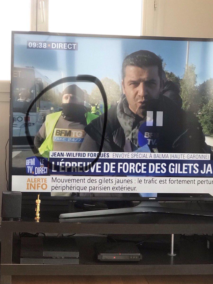 Blocage de la France le 17 Novembre contre le prix des carburants - Page 10 DsMR--SWoAESkQe