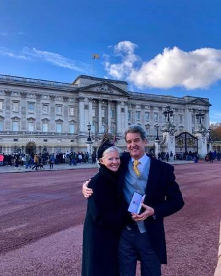 Many congratulations to Professor Paul Emery who has received his O.B.E. medal from Her Majesty the Queen 👑 The award was in recognition of services to rheumatology 👏