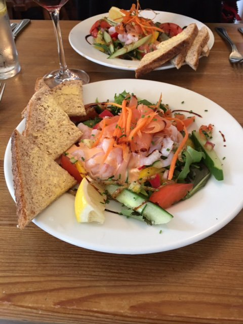 We serve a traditional #Sunday Lunch with a choice of meats. A selection of gluten-free, vegetarian &amp; vegan dishes are always on the menu. #SundayMotivation #SundayThoughts<br>http://pic.twitter.com/zkEJsO8n6D