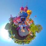 Diese tollen 360° Bilder entstanden während ihres Aufenthalts in Paris 🇫🇷. Aya (Instagram: pipi_aya_360) und Gaku (Instagram: flying_travel_banana) hatten eine Menge Spaß - seht selbst! #ricoh #theta #ricohtheta #lifeis360 #thetagraphy