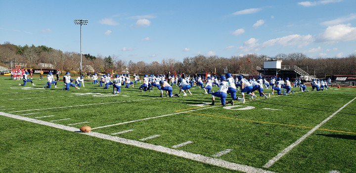 New England Bowl Day! @salveathletics getting ready for game day against @bsubears!   #d3fb #CCCFB