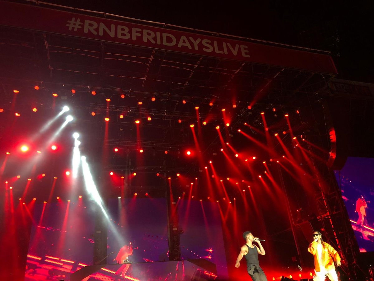 RT @2DayFM: Can this night never end? #RnBFridaysLive @Usher we wanna keep you in Sydney please https://t.co/HxfkRLLgWf