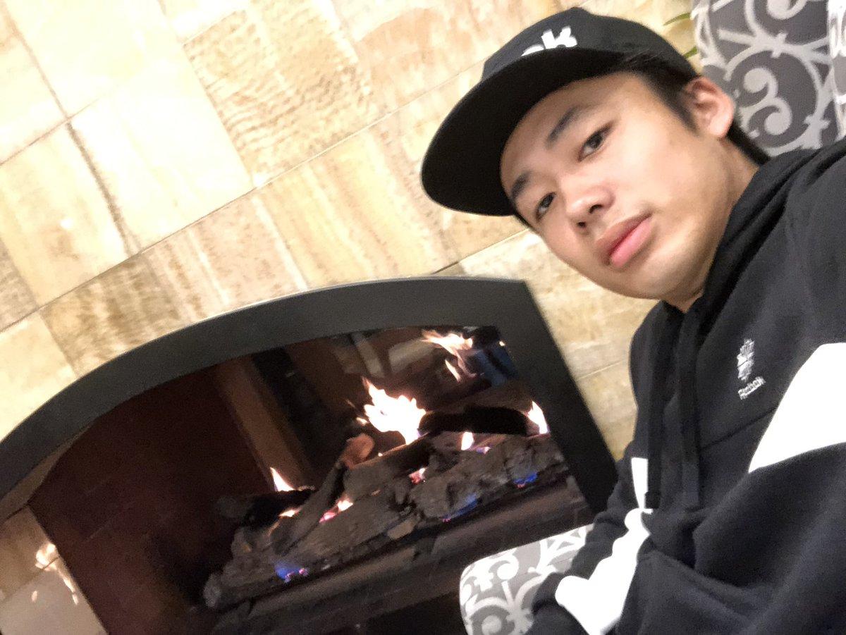 アメリカ🇺🇸は寒いので暖炉で温まろう。朝6時半移動で撮影です、ちなみに編集してたら朝でした。暖炉ってすごく癒されますねぇ。