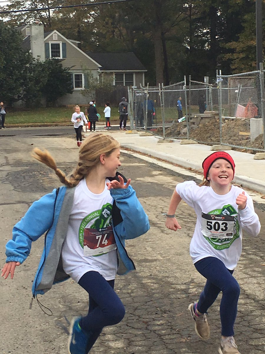 Gobbler Gallop >> Waynewood Elementary On Twitter Scenes From The 10th