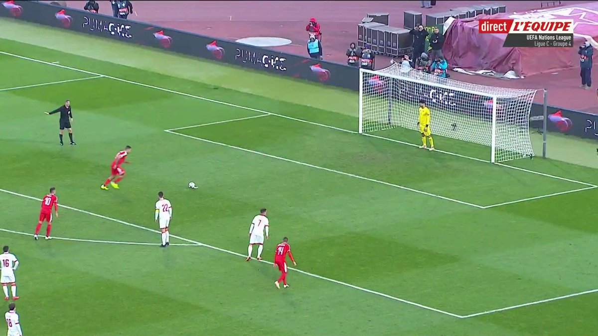 🤦♂️ Ohhh Aleksandar Mitrovic ! Quel raté de lattaquant serbe qui loupe totalement sa panenka sur penalty... #lequipeFOOT #NationsLeague