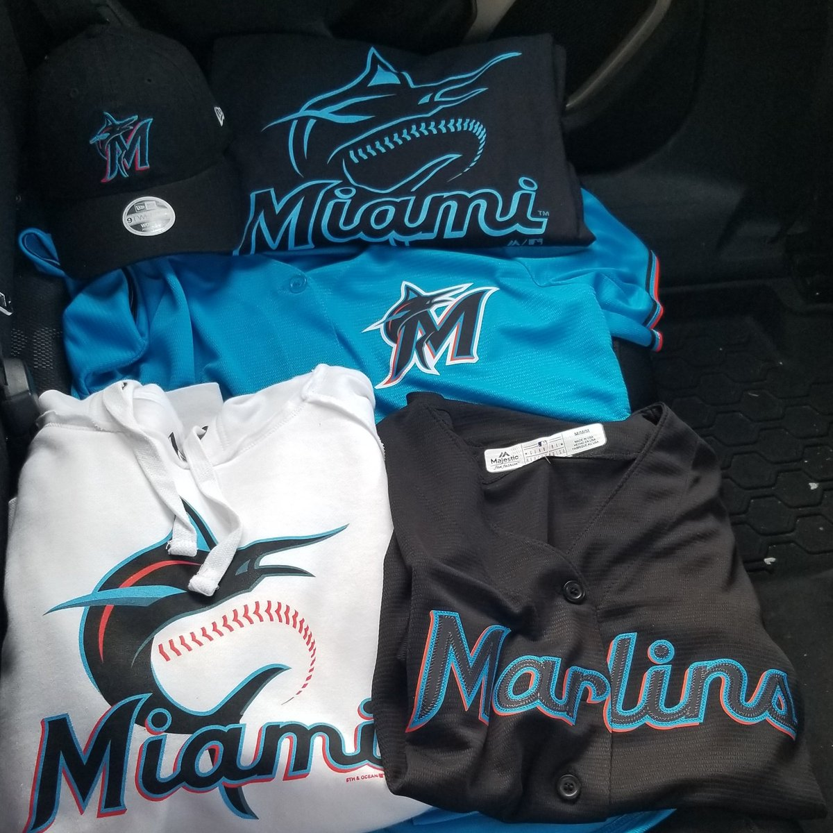 Opening Day where you at? #OurColores @Marlins