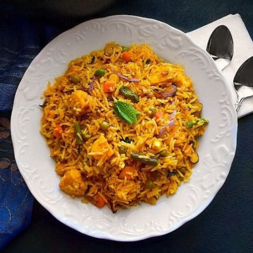Curried Tofu Fried Rice: Quick Indian style curry tofu fried rice..https://t.co/2QgOO1H1dE #recipes https://t.co/OHjMP3WlJ6